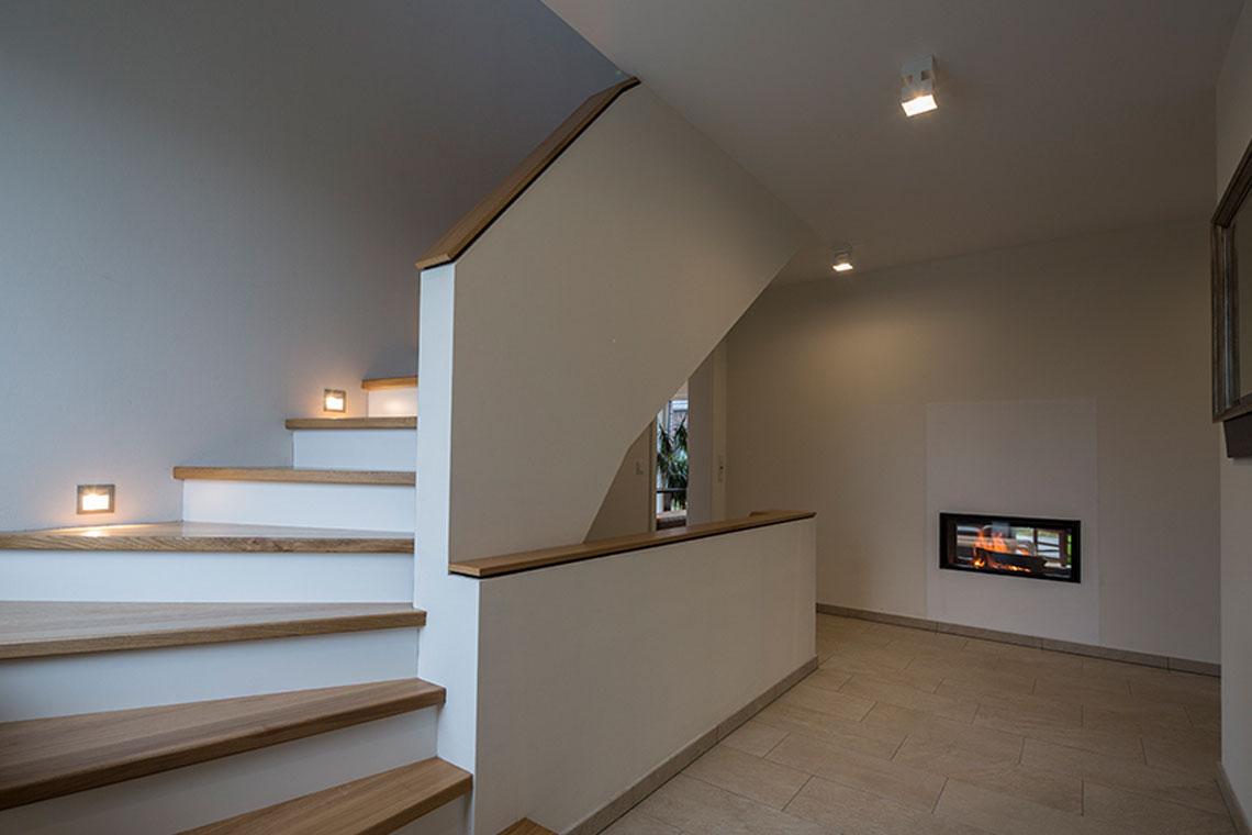Beleuchtungsprojek-Stadthaus_Detailaufnahme-Flur